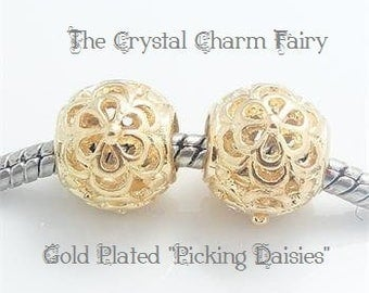 GOLD Plated ~ PICKING DAISIES ~  European Charm Bead Big Hole Charm Fits European / Pandora / Large Hole / Bracelets / Necklace