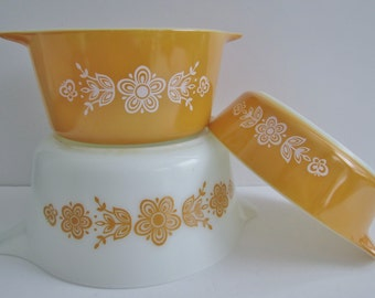 Vintage Set Of 3 Pyrex Casserole Dishes Butterfly Gold Pattern/Butterfly Gold