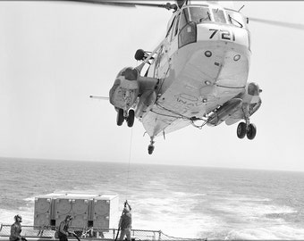16x24 Poster; Sh-3G Sea King Helicopter Refuels Uss Bagley (Ff 1069)