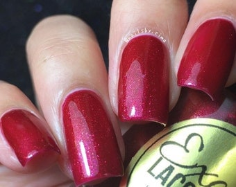 GOLDEN BERRIES Shimmering Gold Red Nail Polish with