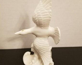 """Vintage lenwile ardalt china white verithin porcelain 6.25"""" gull 6760 VC13"""