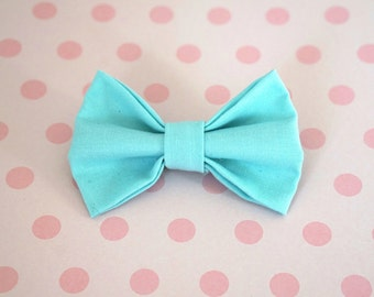 Turquoise Hair Bow. Turquoise Baby Bow. Blue Baby Bow. Blue Toddler Bow. Toddler Hair Bow. Baby Hair Bow. Toddler Girl Gift. Blue Baby Bow.