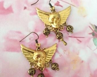 Winged skull buckles Medal