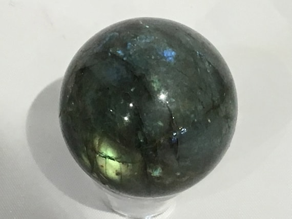LABRADORITE Sphere// Crystal Sphere// Healing Gemstone// Crystal Ball// Home Decor// Healing Tools// From Madagascar
