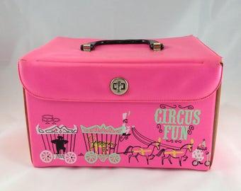 Box Train Circus Box 1960s Train Case Pink Vinyl Tote Box Caddy Box Mid Century Container Retro Roackabilly Tote Box