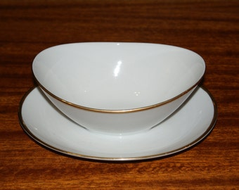 Mikasa Continental Gravy boat with attached underplate