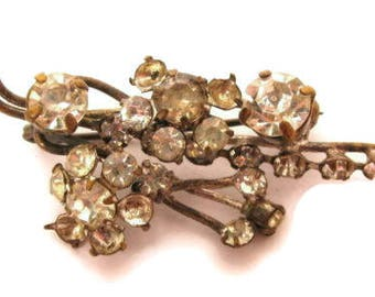 Sparkly Vintage Clear Rhinestone Gold Tone Abstract Grape Vine Brooch Pin*X86