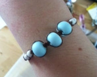 Adjustable Knotted Bracelet with Ceramic White and Blue Beads
