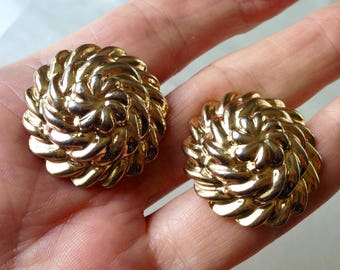 Vintage 80s Gold Tone Coiled Rope Clip On Earrings,Gold Tone Domed Clip On Earrings,Gold Tone Button Earrings,Statement Earrings,Chic