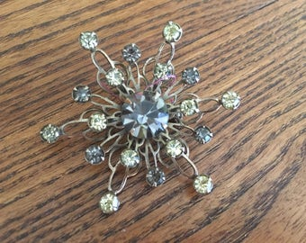 Vintage Grey and Jonquil Yellow Rhinestone and Gold Flower/Snowflake Brooch 1102