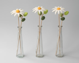 Felt Daisy Floral Arrangement - Handmade wet felted artificial flower bouquet, Wool felt daisy flower and leaf arrangment in vase.