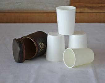 Picnic cups for 4 - Faux leather case with 4 plastics cups - Camping - Hikers - Travelers