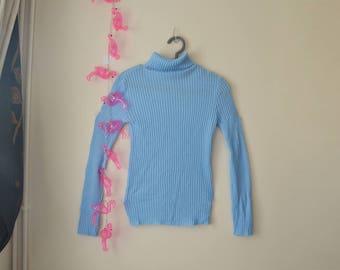 Cute vintage baby blue turtle neck jumper!