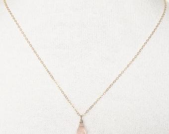 Pink quartz 14 k goldfill necklace, necklace with pendant, pink quartz necklace, necklace with pink quartz drop pendant