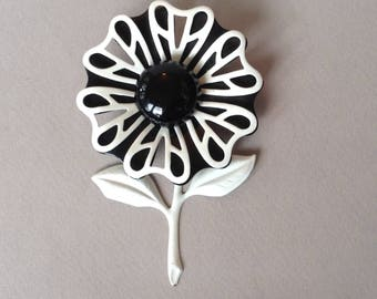 Black and White Enamel Flower Leaf Brooch/Pin