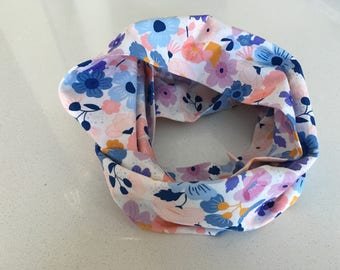 Infinity scarf - large flower coral, blue, white