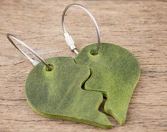 Schlüsselanhänger Herz geteilt Leder grün rot kleines Geschenk für Verliebte Valentinstag Jahrestag Ehefrau Freundin Frau Liebe Geburtstag