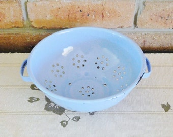Blue chippy enamelware dual handled colander / strainer country farmhouse chic