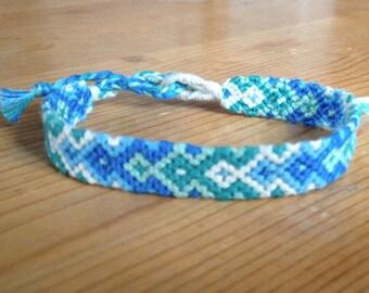 Chevron bracelet / Friendship Bracelet / Bracelet Brazilian / embroidered, woven and made by hand of friendship