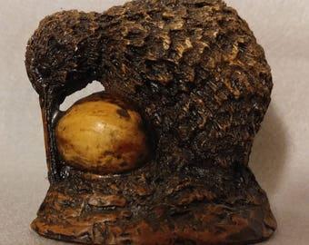 Allen Davey Pottery Kiwi Bird New Zealand