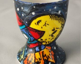 Space rocket egg cup, hand painted egg cup, Easter egg cup, children's Easter egg cup, personalised egg cup, alien egg cup, space egg cup