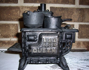 Vintage Queen Cast Iron Stove