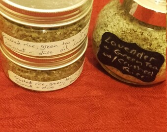 Crushed rice body scrub with lavender, green tea and jasmine