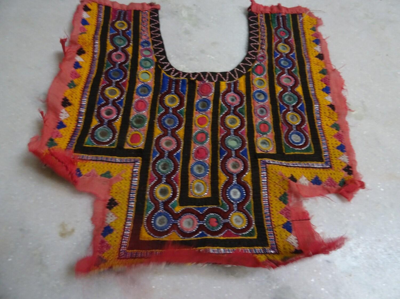 White kingsize bedspread applique cotton quilt