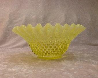 "FENTON Topaz Yellow Opalescent Hobnail Vaseline Glass Large 9"" bowl **responds to black light**"