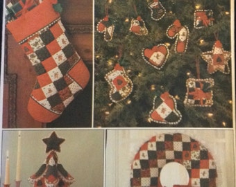 Christmas wreath, tree centerpiece, stocking and ornaments pattern