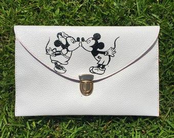 Mickey & Minnie Clutch