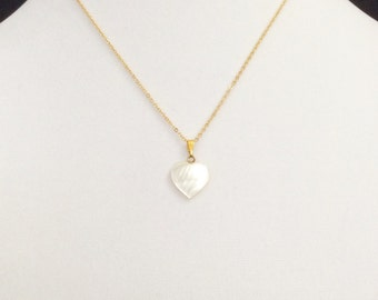 Vintage Mother of Pearl heart necklace, nacre heart charm, love pendant