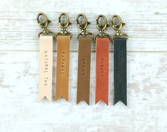 Customized Leather Keychain - Personalize Leather Key ring - Custom Keyring - Keychains for Women -  Gift for Family - Gift for Mom