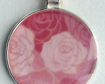 Cristal clear RESIN pendent/ Toile de jouy/ Roses