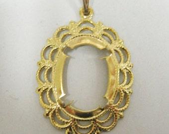 Vintage pendant setting 13x18mm oval cabochon no stone goldtone  6301