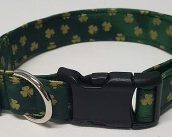 Dog Collar, mini Gold Shamrocks