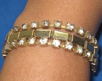 Q-23 Vintage Bracelet 7 in long