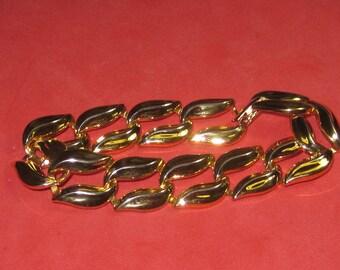 A-50 Vintage Bracelet 7 in long