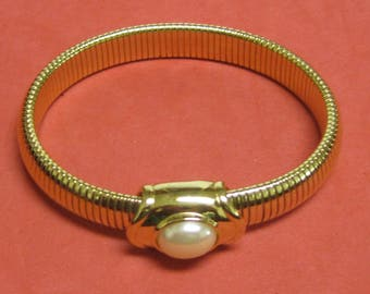 C- 18 Vintage Bracelet    Joan Rivers collection