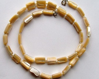 MOTHER OF PEARL vintage bead necklace
