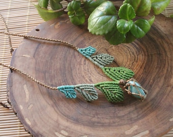 Macrame necklace with leaves with amazonite stone.