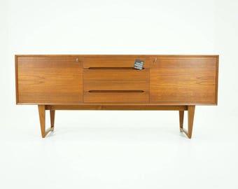 308-046 Danish Mid Century Modern Teak Sideboard Credenza Buffet Cabinet