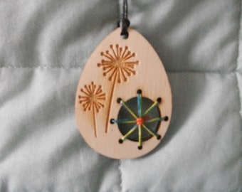 Necklace - Wooden Laser Cut / engraved - Seed Heads / Dandelion