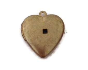locket, heart locket, gold locket, antique locket, vintage locket, brass locket, photo locket, locket pendant, locket necklace