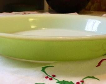 1952 Limeware Pyrex Cake Pan