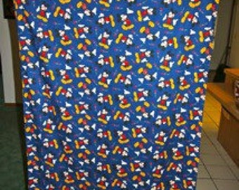 Bright mickey mouse machine sewn cloth shower curtain