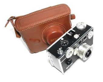 """Vintage Black Argus Camera """"the Brick"""" Rangefinder Black and Chrome Camera Classic Photography Camera with Argus Leather Camera Case"""