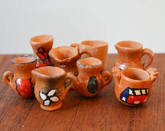 Dollhouse Furniture 1:12 scale Set of Earthenware Jugs or Crockery, 8 pieces urns and pitchers, painted with primitive designs