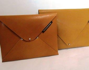 Minimal pochette in ochre leather, briefcase, tablet holder