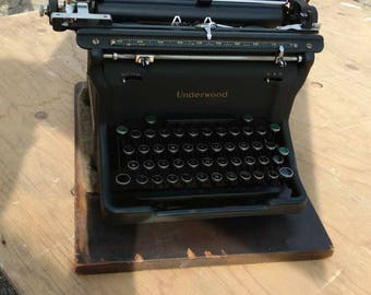 Original vintage antique underwood no 5 standard type writer